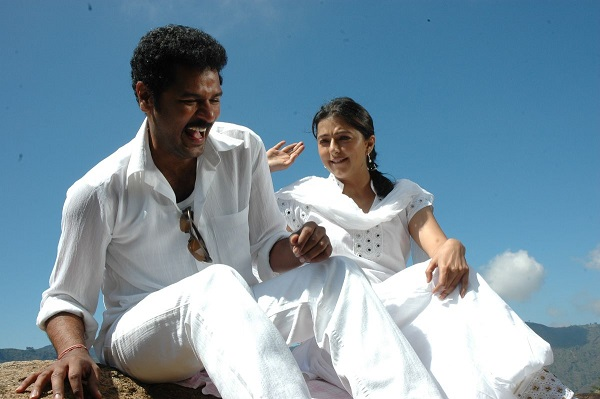 Kalavadiya Pozhuthugal Movie Stills  (3)
