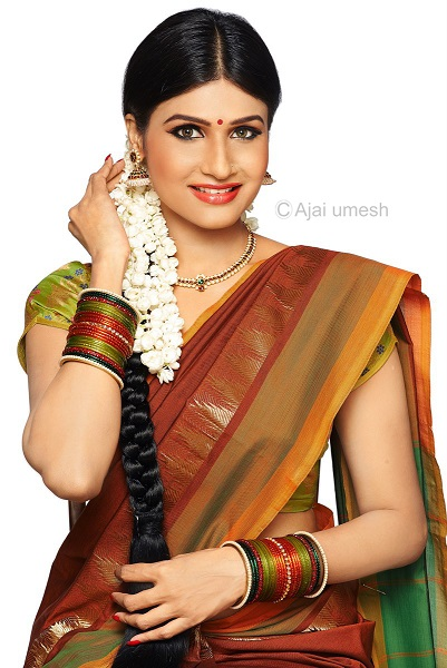 மாடல்: அஞ்சனா ரவி படம் : அஜய் உமேஷ்