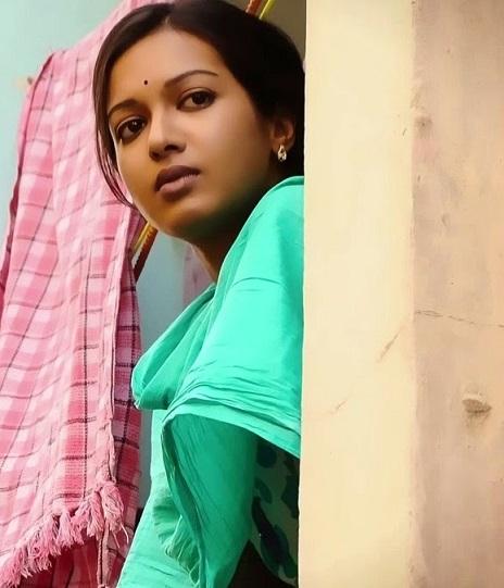 Madras-Movie-Heroine-Catherine-Tresa-Stills (8)